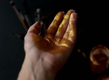 Whats causing Aussie gold stocks to flourish?