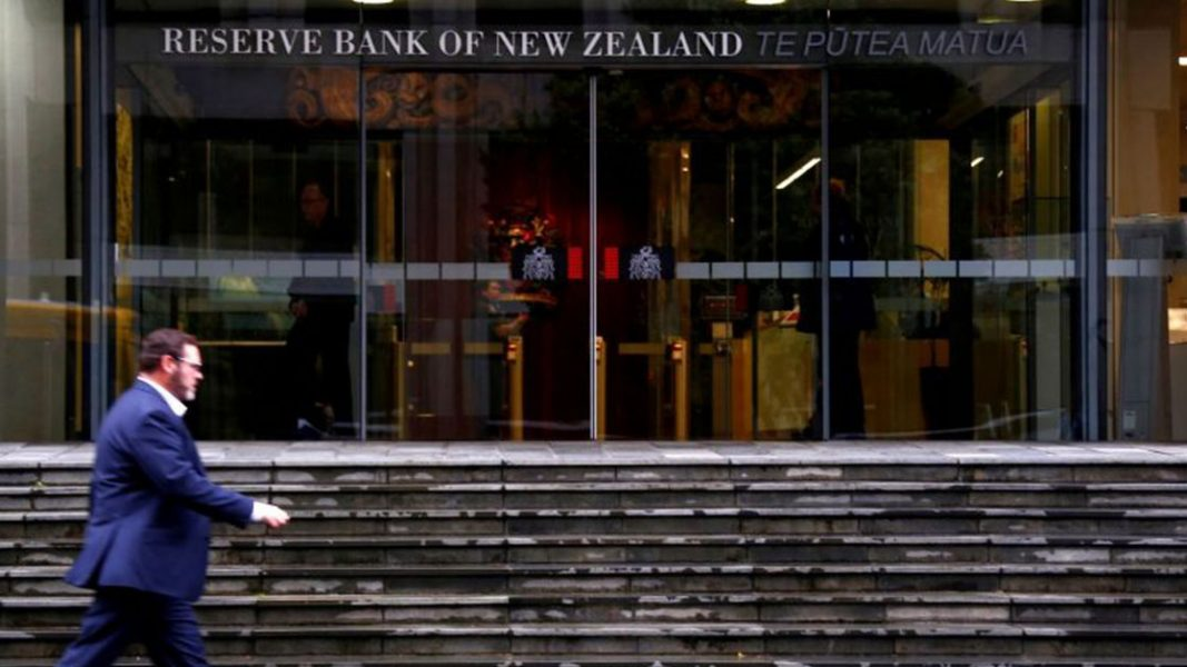 All eyes on New Zealand central bank for another sugar hit