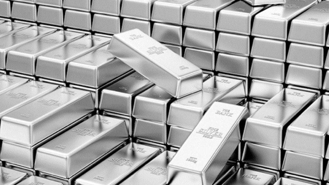 Silver ratio returns to key level