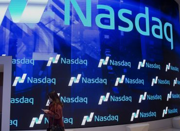 DOW and SP500 take a breather as NASDAQ closes into blue skies