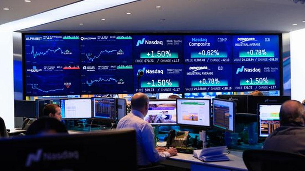 Investors move back into risker assets
