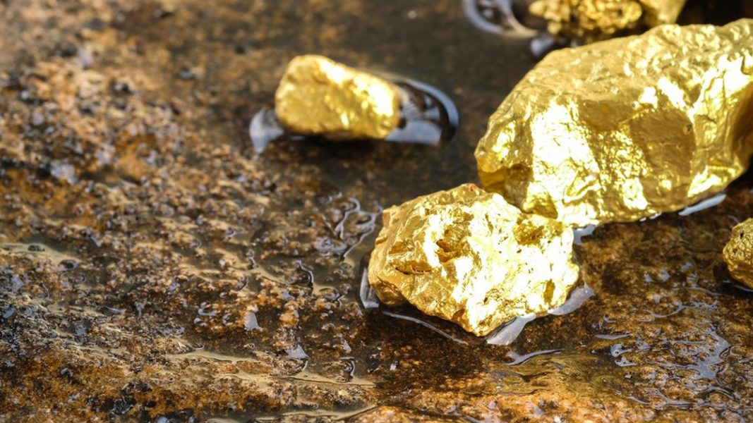 Gold comes back into favour