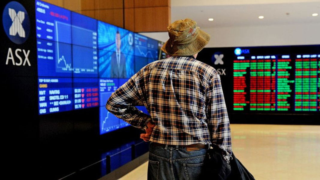 US markets hold strong as the Aussie market sells off