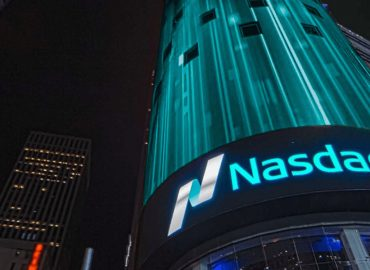 US Nasdaq and SP500 push higher ahead of key reporting