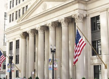 FED minutes indicate no rush to tighten monetary policy